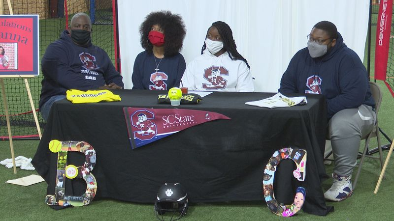 Breyanna Collins signs with SC State for softball.