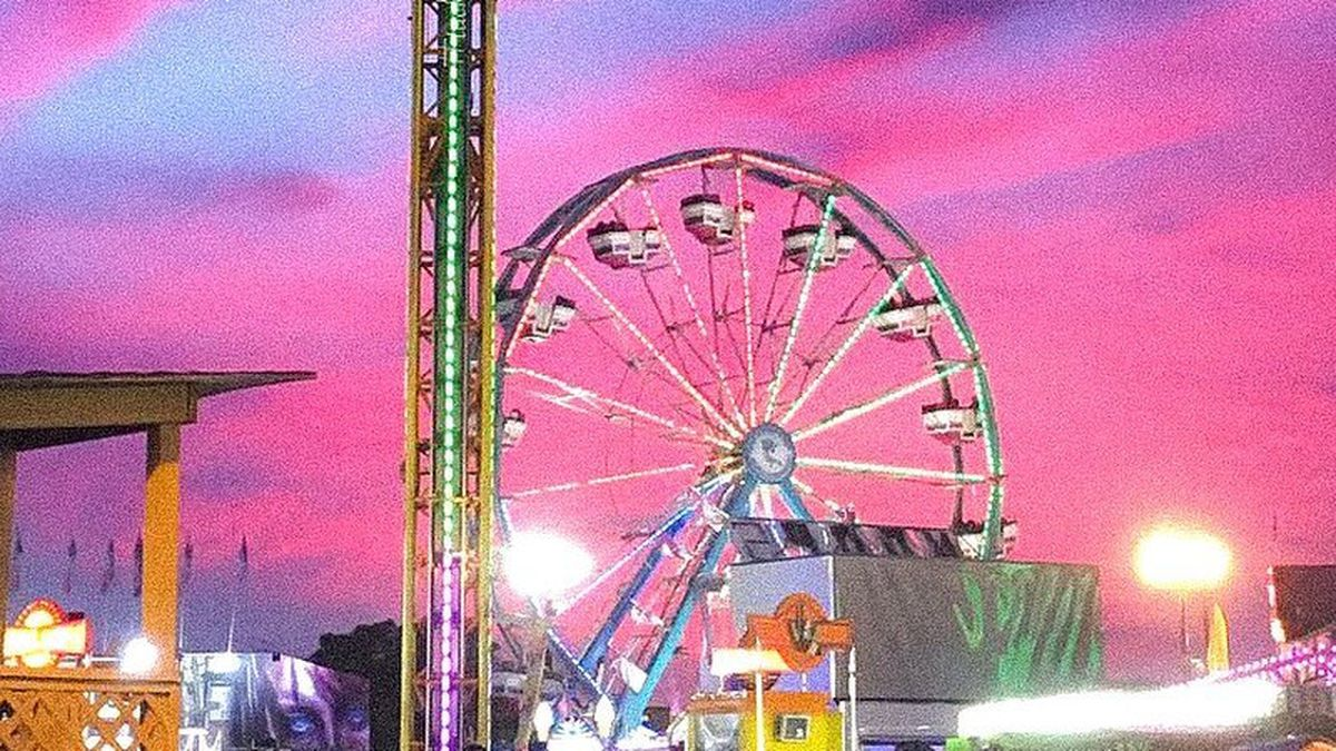 A street view of the South Carolina State Fair from years past.