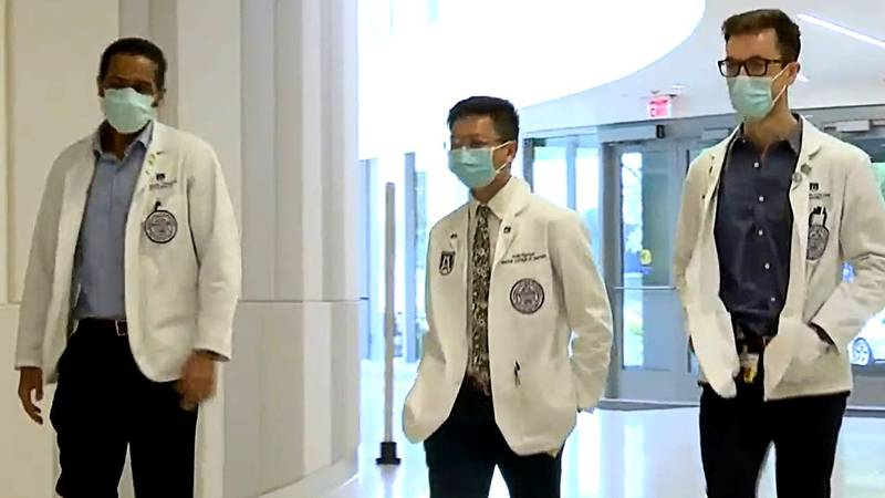 These three Medical College of Georgia students wanted to say thanks to frontline workers.