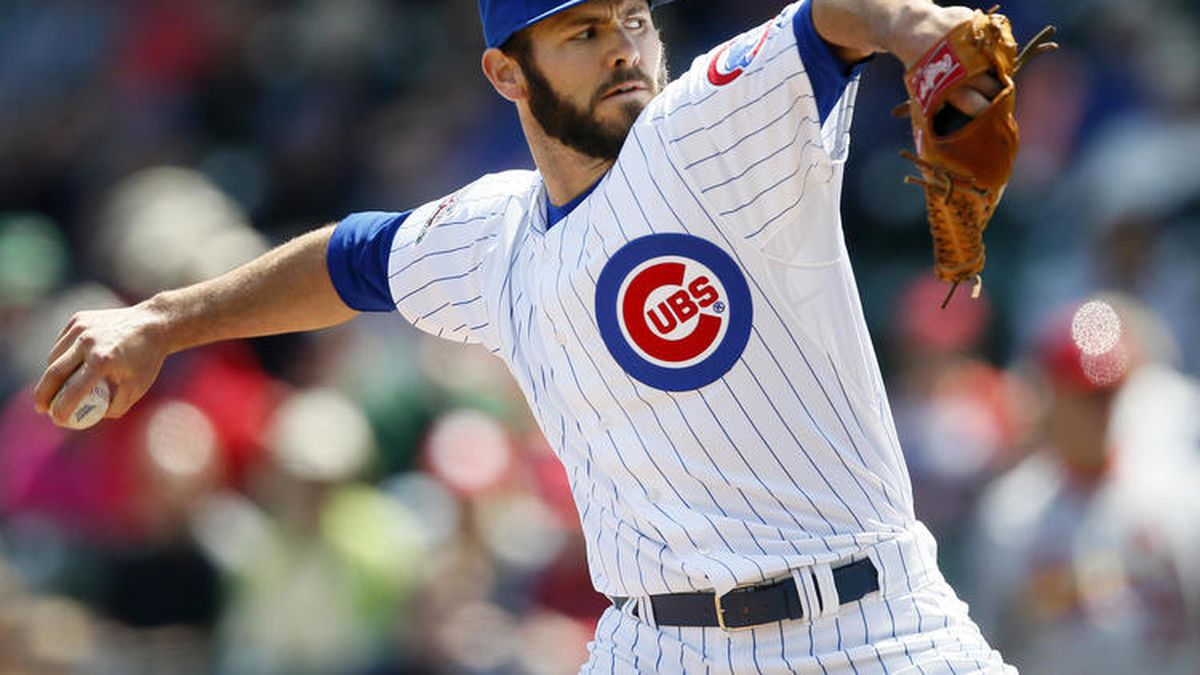 Chicago Cubs starting pitcher Jake Arrieta delivers against the St. Louis Cardinals during the...
