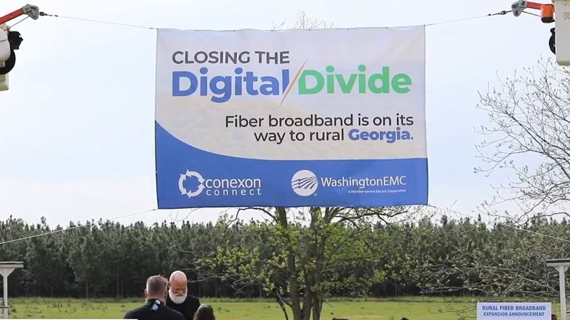 Gov. Brian Kemp came to Washington County to announce a rural broadband effort.