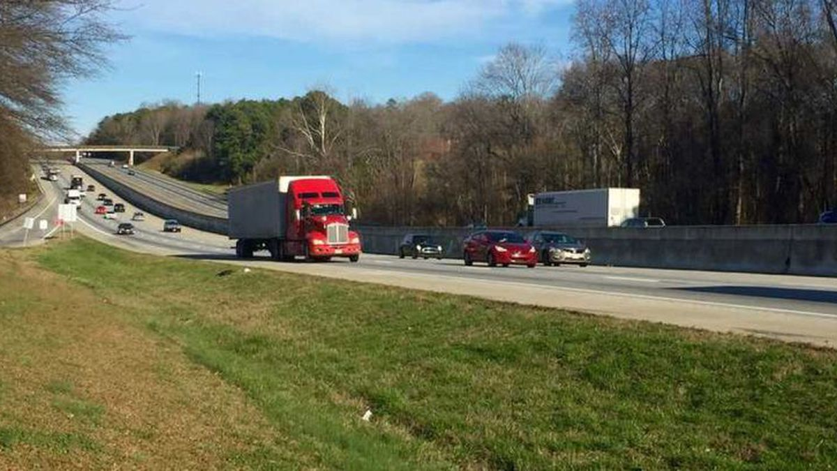 South Carolina bill would get slow drivers out of left lane (Source: WYFF News 4)