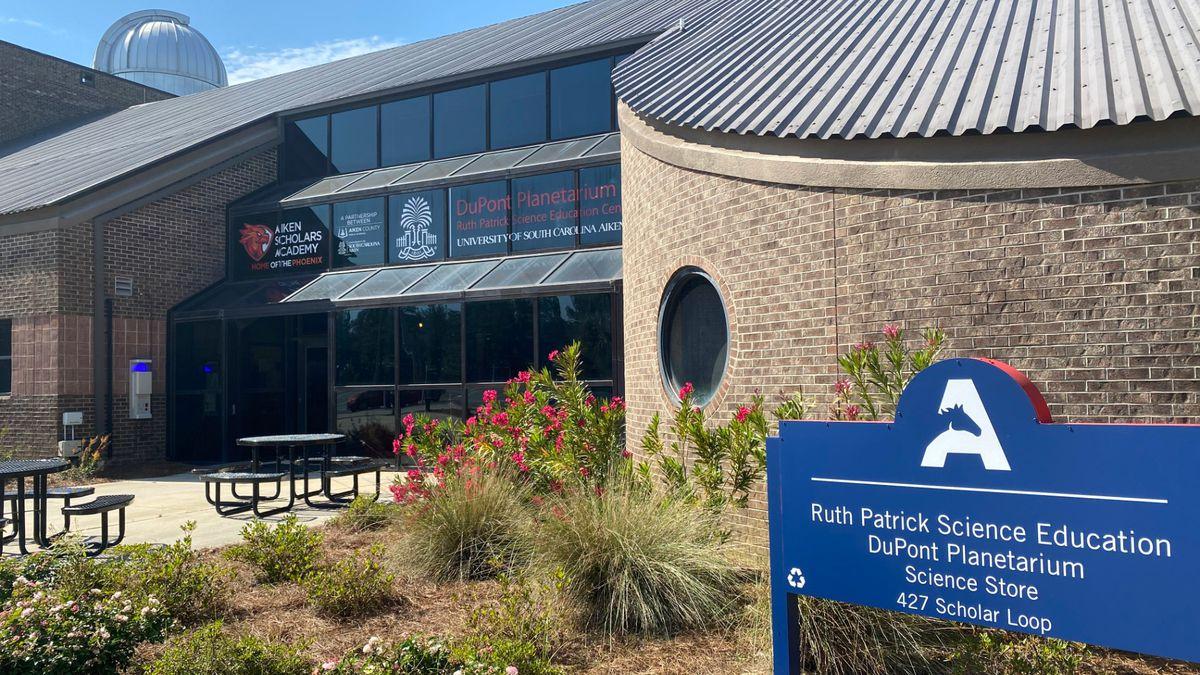 Ruth Patrick Science Education Center and Dupont Planetarium