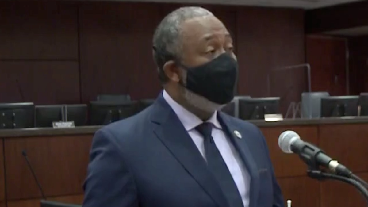 With cases in Richmond County continuing to rise, Mayor Hardie Davis is extending his mask...