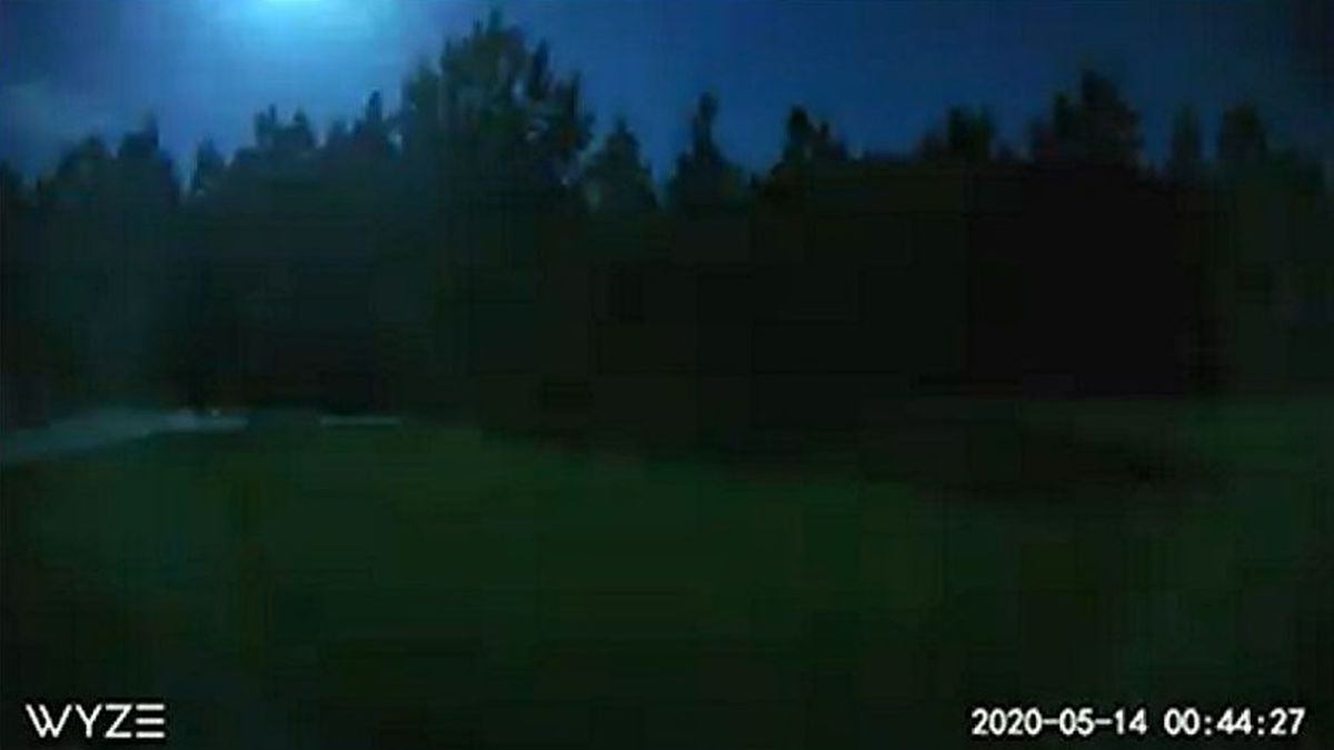 The May 14, 2020, light in the sky can be seen in the upper left corner of this photo.