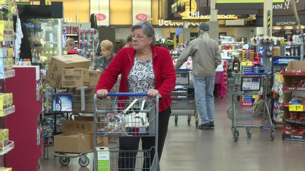 The Thanksgiving shopping season has grocery stores around the CSRA packed. (Source: WRDW)