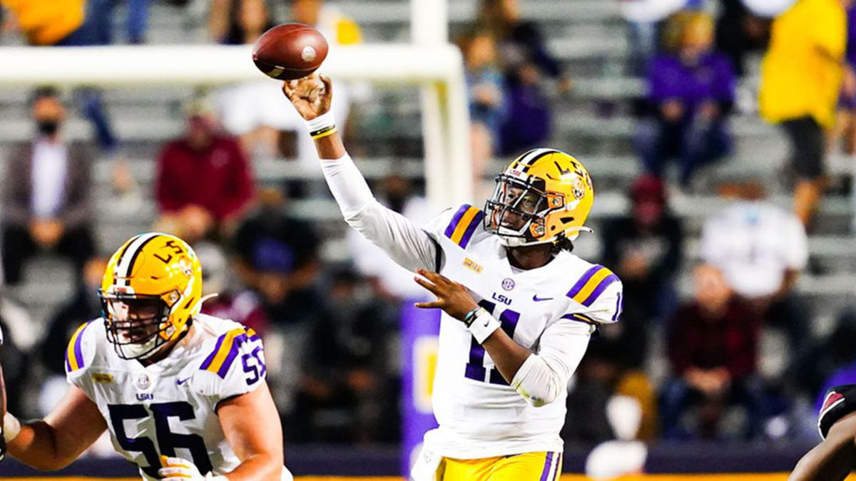 TJ Finley during the first half of a game between LSU and South Carolina at Tiger Stadium in...