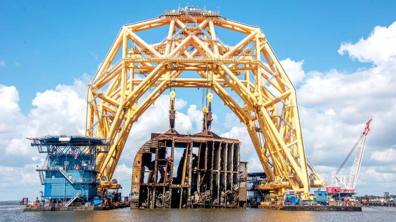 The final section of the Golden Ray wreck is hoisted on Oct. 16, 2021, in St. Simons Sound.
