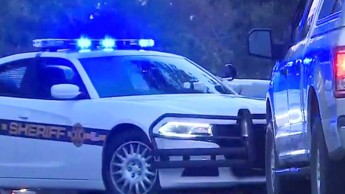 Deputies responded to the 400 block of Ascauga Lake Road around 3:17 a.m
