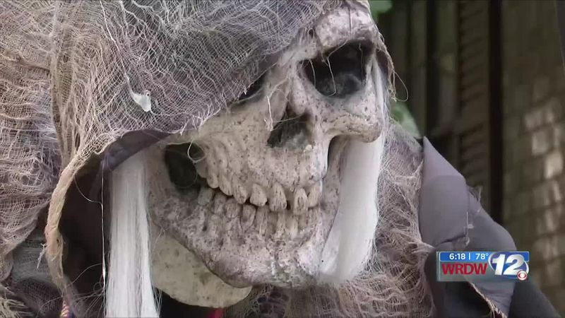 Haunted house in Aiken helps community with food drive
