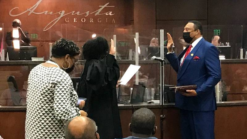 Alvin Mason is sworn in as an Augusta commissioner on Sept. 7, 2021.